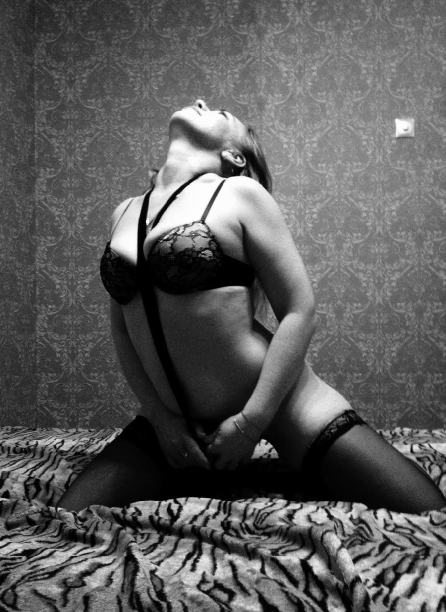 массаж проститутки в алтуфьево похотливый взгляд